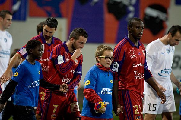 EntrŽée des joueurs du Gazelec FC Ajaccio. © P. Marini