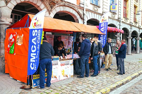 Stand CMCAS Nord Pas-de-Calais au salon du livre d'expression populaire et de critique sociale d'Arras©C.Crié/ccas