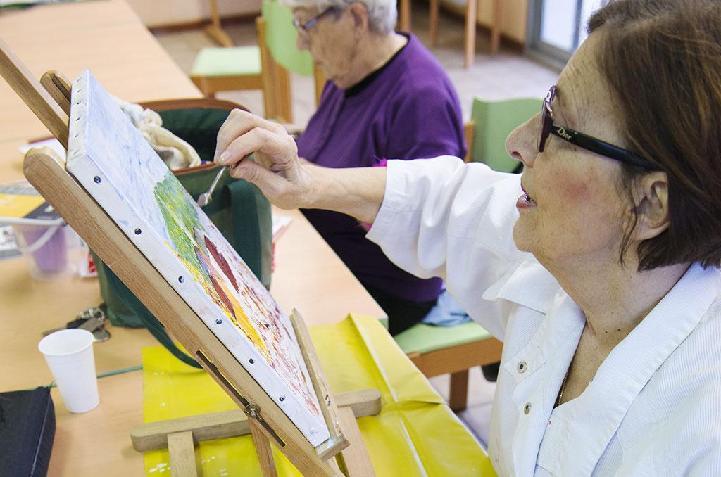 Josiane Jury, coresponsable de l'atelier coloris ©DDelaine/CCAS