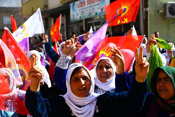 Manifestation de protestation à Silopi, le 3 mars dernier, où Seve Demir, Pakize Nayir et Fatma Uyar, trois militantes kurdes, ont été assassinées début janvier © DR