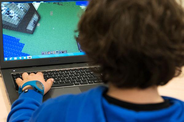 Colonie des 9 à 11 ans au moulin de Graçay. Le thème est la prévention sur les jeux vidéo en ligne © Didier Delaine/CCAS
