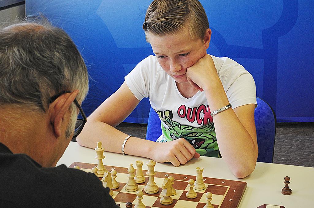 Les échecs confrontent des joueurs de tous âges © J. Marando