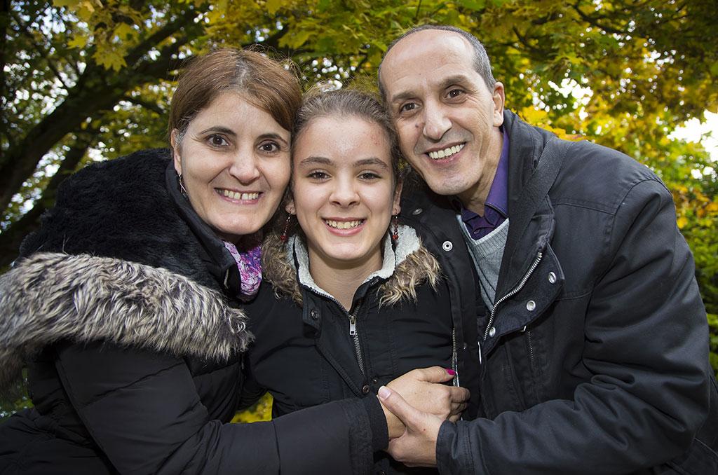 Farid, Farida et Lydia Sadoun, bénéficiaires de la Camieg ©E.Raz/CCAS