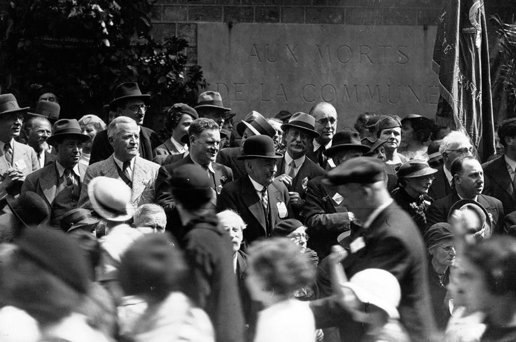 Manifestation du Front Populaire au Mur des Fédérés avec Léon Blum et Maurice Viollette ©BNF