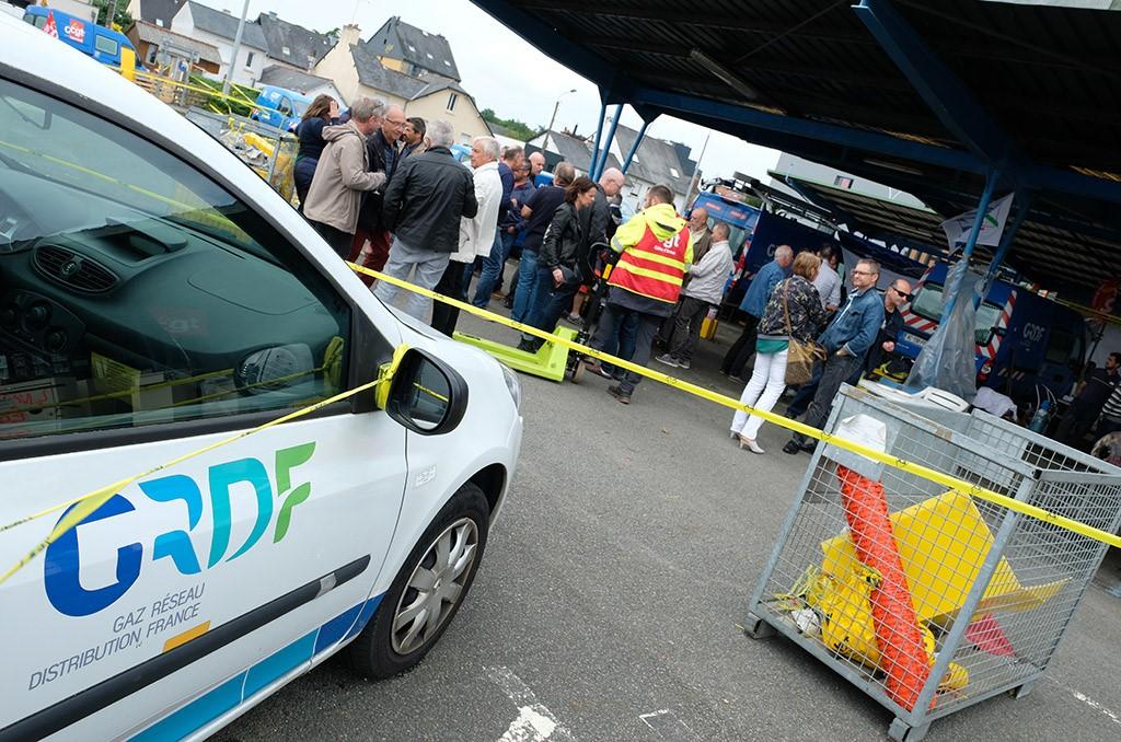 L'assemblée générale de la CMCAS Haute-Bretagne au piquet de grève de l'agence GRDF de Rennes. ©Charles Crié/CCAS