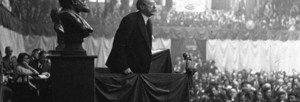 Discours_de_Léon_Blum_au_Congrès_socialiste_1932-1024x350